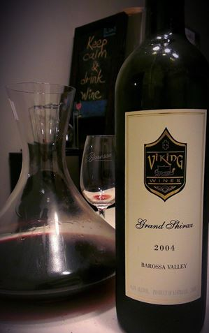 Picture of Viking Wines-Grand-Shiraz Cabernet Sauvignon-2004-750mL
